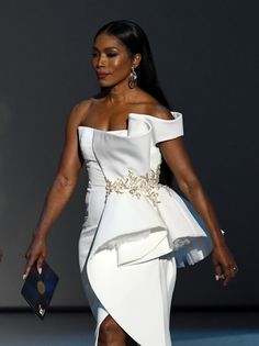 Image Photo of Angela Bassett Could Have at Least Warned Us Before Attending the Emmys Looking This Fierce Glam Dresses, Elegant Dresses, Dress Outfits, Fashion Outfits, Party Dresses, African Lace Dresses, African Fashion Dresses, Frack, African Print Fashion