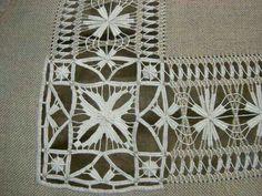 Neşe'nin gözdeleri Hand Embroidery Tutorial, Embroidery Sampler, Hardanger Embroidery, Hand Embroidery Designs, Cross Stitch Embroidery, Embroidery Patterns, Drawn Thread, Heirloom Sewing, Back Stitch