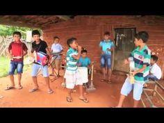 Crianças talentosas fazem banda com instrumentos improvisados no Ceará