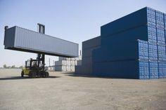 Cómo utilizar contenedores de embarque para construir viviendas | eHow en Español