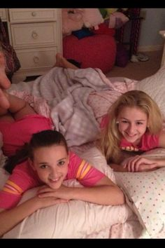 dance moms kendall and chloe  at sleepover
