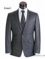 Costume à deux boutons Hommes Armani Grise Grey Two Piece, Two Piece Dress, Mens Fashion Wear, New Fashion, Fashion Trends, Best Suits For Men, Mens Suits, Slim Suit, Armani Men