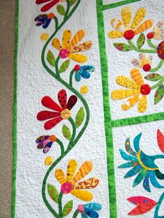 Attic Window Quilt Shop:How Does Your Garden Grow Applique Quilt Patterns, Applique Design, Hand Applique, Quilting Projects, Quilting Designs, Quilting Ideas, Motifs D'appliques, Quilt Boarders, Attic Window Quilts