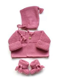 Learn How to Make this adorable Knitted Baby CARDIGAN. FREE Step by Step Pattern & Tutorial. A different way of making a Knitted Baby Cardigan! Baby Knitting Patterns, Baby Sweater Patterns, Baby Cardigan Knitting Pattern, Knitted Baby Cardigan, Baby Pullover, Baby Clothes Patterns, Knitted Booties, Knitting For Kids, Baby Patterns