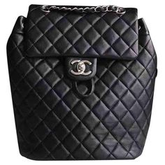 Pre-owned Chanel Leather Backpack (13,985 PEN) ❤ liked on Polyvore featuring bags, backpacks, chanel backpack, leather daypack, leather backpack bag, day pack rucksack and day pack backpack