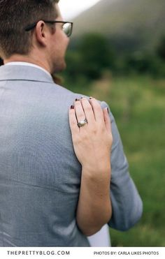 A Beautiful Vintage Pear Engagement Ring | Photography by Carla Likes Photos