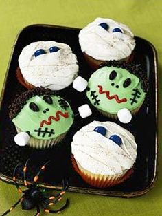 Ghoulish Goodies: Monster and Mummy Cupcakes (via Parents.com)
