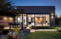 A Lovingly Restored Mid-Century Marvel In Mount Martha Australian Architecture, Australian Homes, Melbourne House, Most Beautiful Gardens, Architecture Awards, Queenslander, Family Garden, The Design Files, Victorian Homes