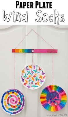 Paper Plate Wind Sock | Kids Paper Plate Crafts | Kids Activity Ideas | www.madewithHAPPY.com