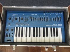 MATRIXSYNTH: Blue Roland SH-101 SN 341265