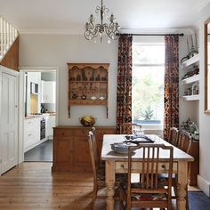 Dining room Step inside an updated terrace house in southeast London House tour PHOTO GALLERY 25 Beautiful Homes uk Farmhouse Style Kitchen, Modern Farmhouse Kitchens, Home Decor Kitchen, Red Farmhouse, Country Kitchen, Terraced House, Edwardian Haus, Victorian Terrace Interior, Victorian Living Room
