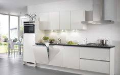 De greeploze keuken Felina is een moderne keuken met minimalistisch design compleet met topkwaliteit apparatuur. In meerdere kleuren leverbaar! Hier uitgevoerd in lak, mat wit.