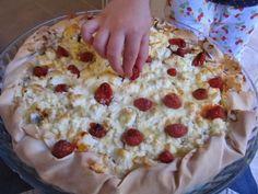 Πιτα με μελιτζάνα, φετα και λιαστη ντοματα Cookbook Recipes, Cooking Recipes, Oatmeal, Pie, Bread, Breakfast, Desserts, Food Heaven, Bakken