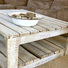 Whitewash A Pallet Table (scroll down for instructions) without the bottom pallet on the floor
