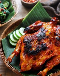 Ayam Taliwang: Lombok grilled chicken marinated with garlic and shrimp paste. Pork Recipes, Asian Recipes, Chicken Recipes, Cooking Recipes, King Food, Crispy Fried Chicken, Grilled Chicken, Malay Food, Food Pack