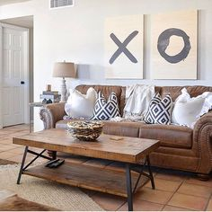 55 Incredible Farmhouse Living Room Sofa Design Ideas And Decor Brown Couch Living Room, Living Room Sofa Design, Family Room Design, Living Room Interior, Home Living Room, Living Room Designs, Living Room Furniture, Family Rooms, Living Room Decor With Brown Sofa