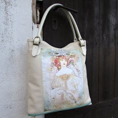 Elegantní  kabelka,jednoduchého střihu pro…