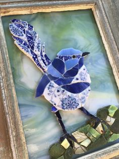 The artist has perfectly captured the Fairy Wren! Mosaic Garden Art, Mosaic Tile Art, Mosaic Artwork, Mosaic Diy, Mosaic Crafts, Mosaic Projects, Mosaic Glass, Mosaic Animals, Mosaic Birds