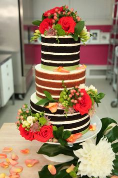 Naked cake by Yolanda Gampp.
