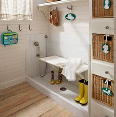 Mudroom Dog Shower - Design photos, ideas and inspiration. Amazing gallery of interior design and decorating ideas of Mudroom Dog Shower in garages, laundry/mudrooms by elite interior designers. Home Upgrades, Mudroom Laundry Room, Bench Mudroom, Laundry Area, Dog Shower, Shower Basin, Shower Nozzle, Shower Seat, Shower Hose