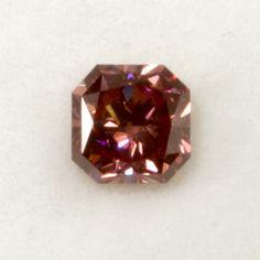 Seltener roter Diamant:   Diamond fancy red (treated) 1,12 ct vvs, square modified brilliant GIA Zertifikat Devon, Fancy, Diamond, Red, Certificate, Diamonds