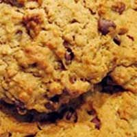 Some foods simply aren't part of a healthy diet. Fortunately, you don't have to put cookies on that list. Good Housekeeping shows you how to substitute low fat ingredients for your favorite cookie recipes. Healthy Cookie Recipes, Healthy Cookies, Healthy Baking, Baking Recipes, Low Calorie Cookies, Favorite Cookie Recipe, Oatmeal Raisin Cookies, Good Housekeeping, Biscuits