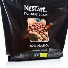 Nescafé Partners Blend zu 100% Arabica Bohnen Kaffee aus biologisch Kontrolierten Anbau. Blend Fairtrade ein löslicher Automatenkaffee aus erlesenen Arabica Bohnen diese stammen aus El Salvador und Äthiopien. Diese Blend Kaffeesorte besitzt ein vollmundiges, kräftiges Aroma.