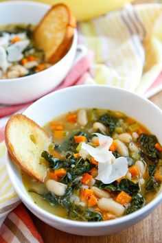 Creamy Tuscan White Bean Soup -- This creamy and delicious bean soup recipe goes from stove to table in just 30 minutes. Paired with a crusty loaf of French bread = yum! | unsophisticook.com
