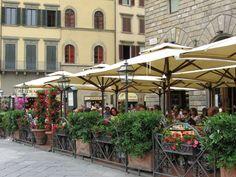 Café de la Piazza della Signoria de Florencia donde Carmen e Iris tienen una de sus conversaciones más duras.