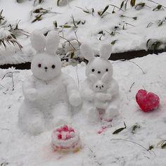 【koromukiyussei692】さんのInstagramをピンしています。 《今日は、寒かったけど、穏やかな一日でした😌風邪ひいたみたいだけど、、😅 バレンタインデーということで、美味しそうなチョコ溢れてるけど、自分で食べることあまりない、、プレゼントする喜びもいいもんだ😘 バレンタインデーに、前に作ったうさぎたち❄️❄️ケーキにハートも作ってみた🎂森のうさぎのバレンタインは、こんな感じかな😘💖 #バレンタイン#雪#うさぎ#森#ケーキ#ハート#手作り#かわいい#楽しい#valentine #happy#winter #snow #nature #forest #rabbit#present #heart #cake #handmade #cute》