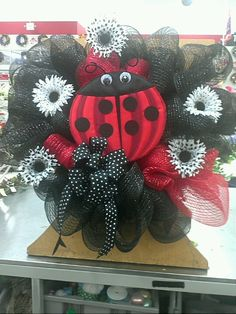 Ladybug wreath, Alice Forst, Floral Designer, Michael's Arts & Crafts, Richmond, Va