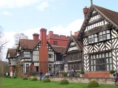 Victorian manor house, arts and crafts movement, Wightwick Manor