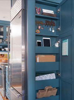 Kitchen Redo, New Kitchen, Kitchen Storage, Life Kitchen, Kitchen Drawers, Kitchen Interior, Kitchen Makeovers, Island Kitchen, Kitchen Small