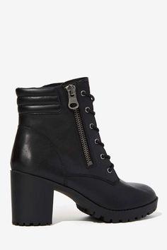 Steve Madden Noodles Leather Boot - Heels | Lace-Up | Steve Madden |