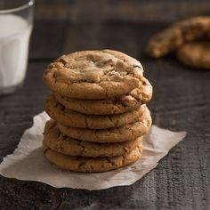 This recipe is like a clean cookie slate for whatever you desire whether it's chocolate, spice, or nuts. Cookie Desserts, Cookie Recipes, Easy Slice, Biscuits, Muffins, All Bran, Frigidaire, Unsweetened Chocolate, Cereal Recipes