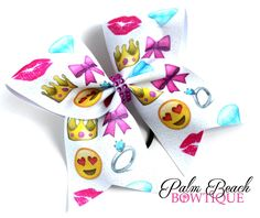 This cheer bow is perfect for cheerleaders, softball players, or any young lady…