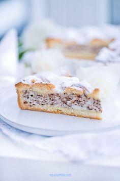 Italian tart with ricotta cheese and chocolate