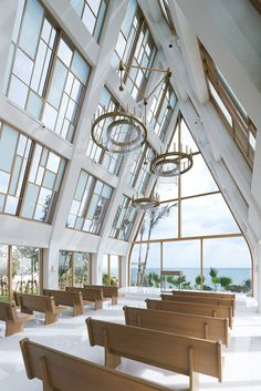 Modern Japanese chapel by the beach is all windows - Curbedclockmenumore-arrownoyes : Like an A-frame on steroids, with windows all around to bring in ocean views Church Architecture, Religious Architecture, Modern Architecture, Sacred Architecture, Chapel Wedding, Wedding Venues, Wedding Chapels, Wedding Goals, Dream Wedding