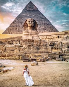 Overnight trips to Cairo and Luxor from Hurghada accompanied by a private tour guide to witness the Pyramids, the Egyptian Museum, Luxor landmarks. Places To Travel, Travel Destinations, Places To Visit, Travel Around The World, Around The Worlds, Visit Egypt, Egypt Travel, Photos Voyages, Ancient Egypt