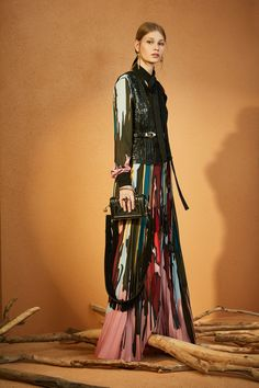 Elie Saab Pre-Fall 2018 Collection Photos - Vogue