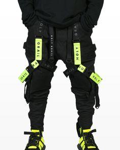 how to techwear Mode Cyberpunk, Cyberpunk Clothes, Cyberpunk Fashion, Fashion Pants, Sneakers Fashion, Mens Fashion, Fashion Outfits, Steampunk Fashion, Gothic Fashion