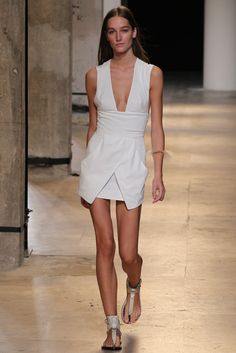 Isabel Marant Spring 2015 Ready-to-Wear - Collection - Gallery - Look 1 - Style.com #ranitasobanska #fashion #inspirations