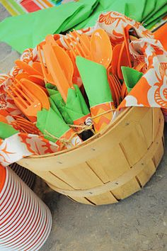 A cute idea for displaying plastic silverware for a fall themed baby shower. Pumpkin Patch Birthday, Pumpkin Birthday Parties, Pumpkin 1st Birthdays, Pumpkin First Birthday, Baby Birthday, Birthday Ideas, Shower Bebe, Baby Shower Fall, Baby Shower Themes