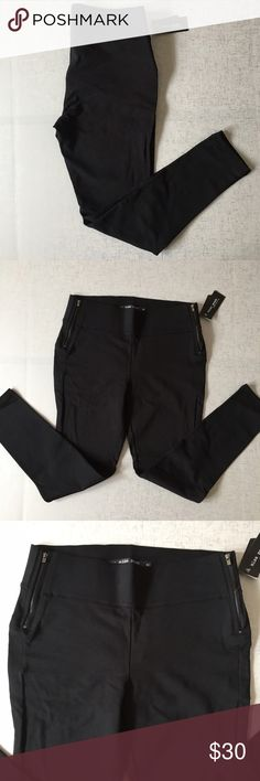 """💥SALE💥Black Pants High rise pants. Stretchy, but thick material, but more of a dress pant feel rather than regular thin leggings. Slim fit skinny pants. 2 side zippers at waist line. Inseam is approximately 27 1/2"""". 65.5% rayon, 30.5% nylon, 4% spandex. Miss Posh Pants Skinny"""