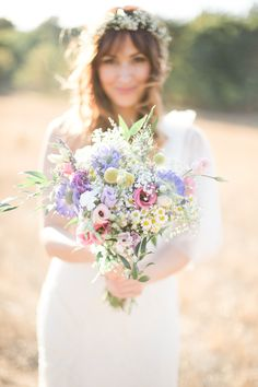 Bouquet de mariée champêtre  Réalisation La Fabrique d'Etoiles Filantes Crédit Photo Hery Laza Photographe