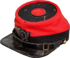 A Chasseur cap of the New York Militia Regiment Brooklyn Chasseurs / New York Infantry).