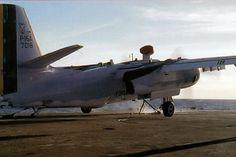 P-16 da FAB se prepara para decolar com ajuda da catapulta (Foto - FAB)