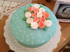 Christina Mascarenhas made a beautiful rosé cake in Course 1 - Decorating Basics at AC Moore in Davie, FL . Call Mona at for more info Cake Decorating Classes, Decorating Tips, Gum Paste Flowers, Rose Cake, Beautiful Roses, Let Them Eat Cake, Frosting, Ac Moore, Desserts
