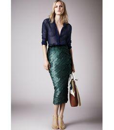 Burberry Prorsum Resort 2015 Fashion Show Collection: See the complete Burberry Prorsum Resort 2015 collection. Look 10 Fashion Week, Look Fashion, High Fashion, Fashion Show, Womens Fashion, Fashion Design, Vogue Fashion, Fashion Art, Fashion Trends