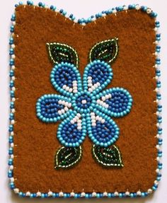 Embroidery Patterns Floral Flower Borders 33 Ideas For 2019 Embroidery Hearts, Bead Embroidery Patterns, Bead Loom Patterns, Beaded Embroidery, Beaded Flowers Patterns, Native Beading Patterns, Beadwork Designs, Indian Beadwork, Native Beadwork